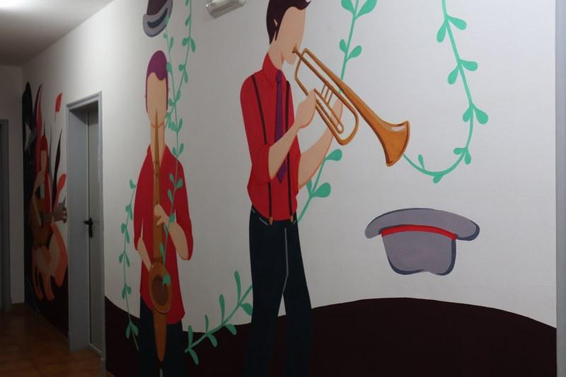 O Conservatorio de Música da Guarda luce novos murais de pintura