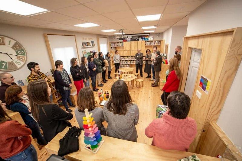O Colexio Rural Agrupado de Tomiño estrea unha biblioteca que optimiza ao máximo os seus espazos