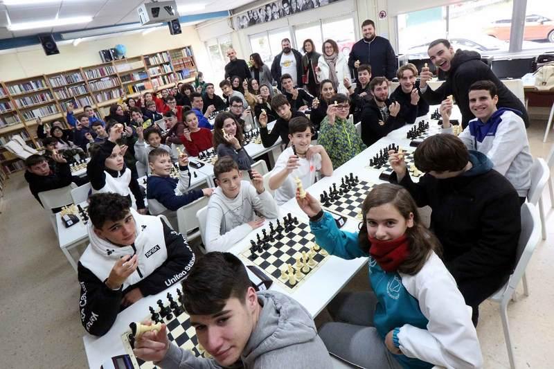 Carlos Costal Fernández gaña o IV Torneo Intercentros de Xadrez de Ponteareas