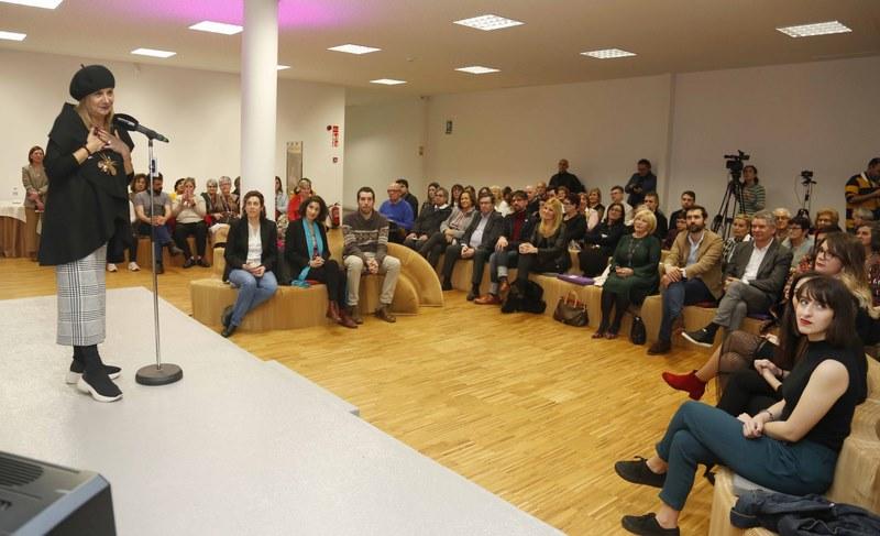 A nova sede da Deputación en Vigo acolleu a entrega dos Premios Sofía Novoa Ortíz