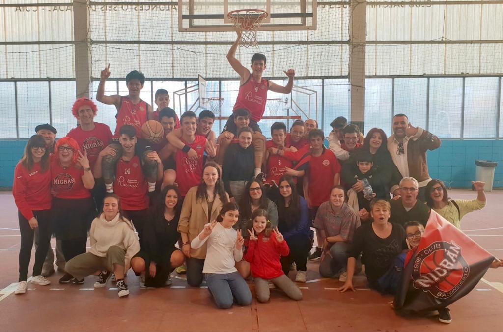 Os cadetes do Club Baloncesto Nigrán fan historia