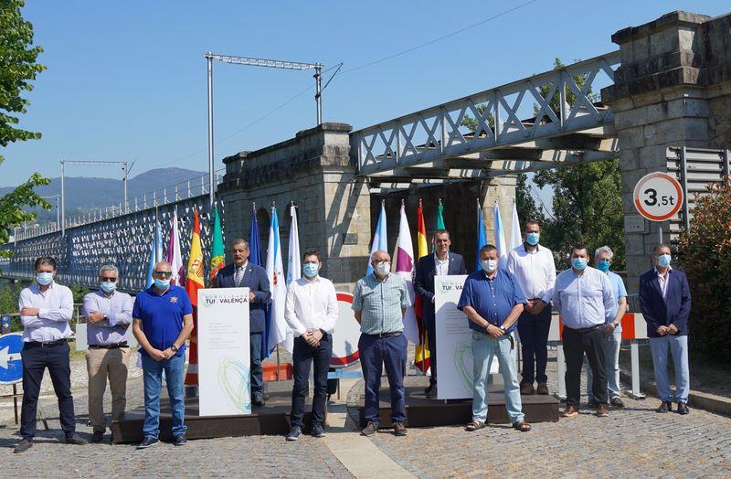 A Eurocidade Tui-Valença reclama a reapertura da vella Ponte Internacional de forma inmediata