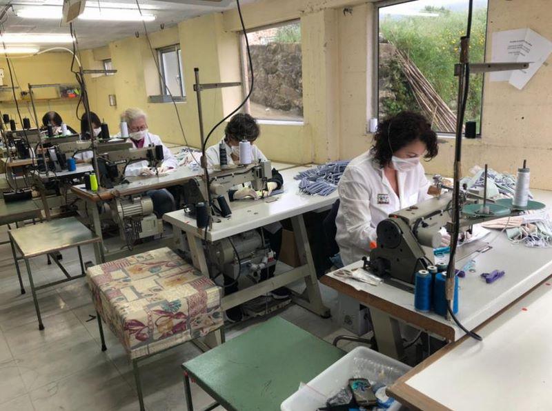 Un taller de costura do Rosal confecciona 1.000 mascarillas hixiénicas reutilizables