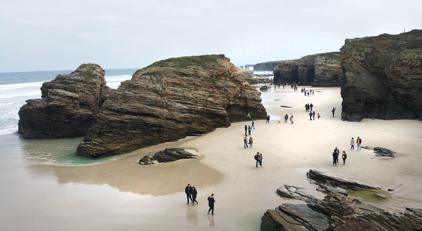 A Praia das Catedrais poderá visitarse con autorización previa a partir do 1 de xullo