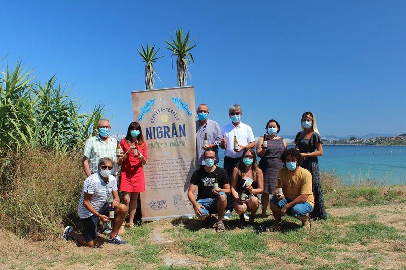 Nigrán presenta coa súa programación cultural de agosto a cervexa promocional Nigrán, equilibrio natural