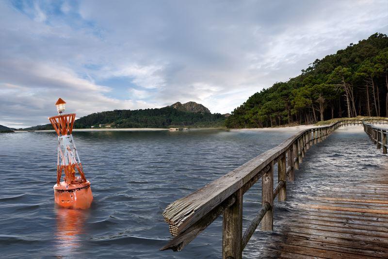 Greenpeace fai desaparecer das Cíes a praia de Rodas