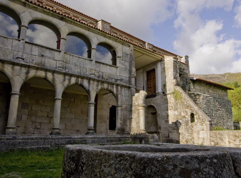 O patrimonio da Ribeira Sacra mellora coa rehabilitación do Mosteiro de Xunqueira de Espadanedo