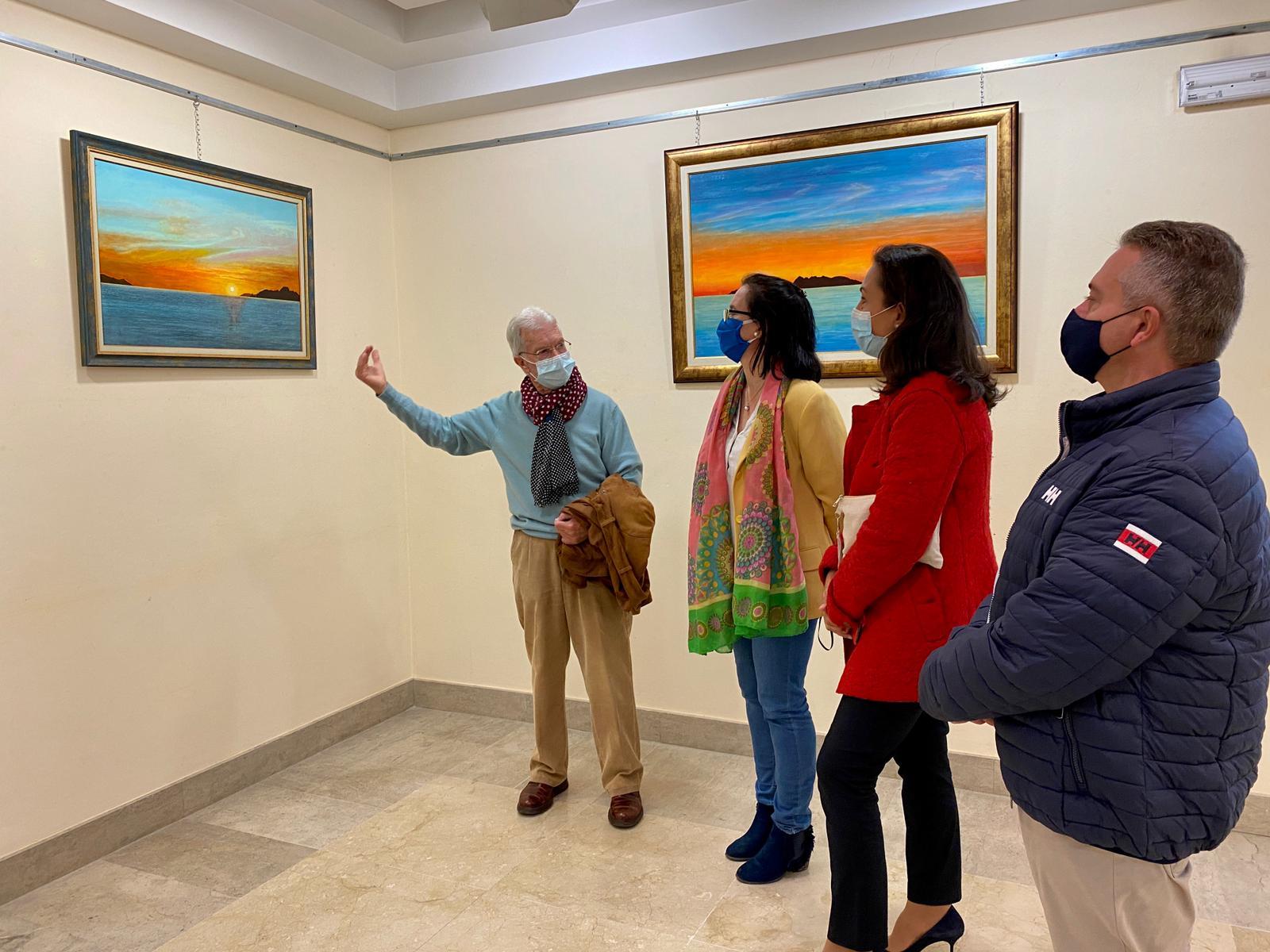 O pintor marinense Manuel Santos presenta unha nova exposición da súa traxectoria no Museo Torres de Marín