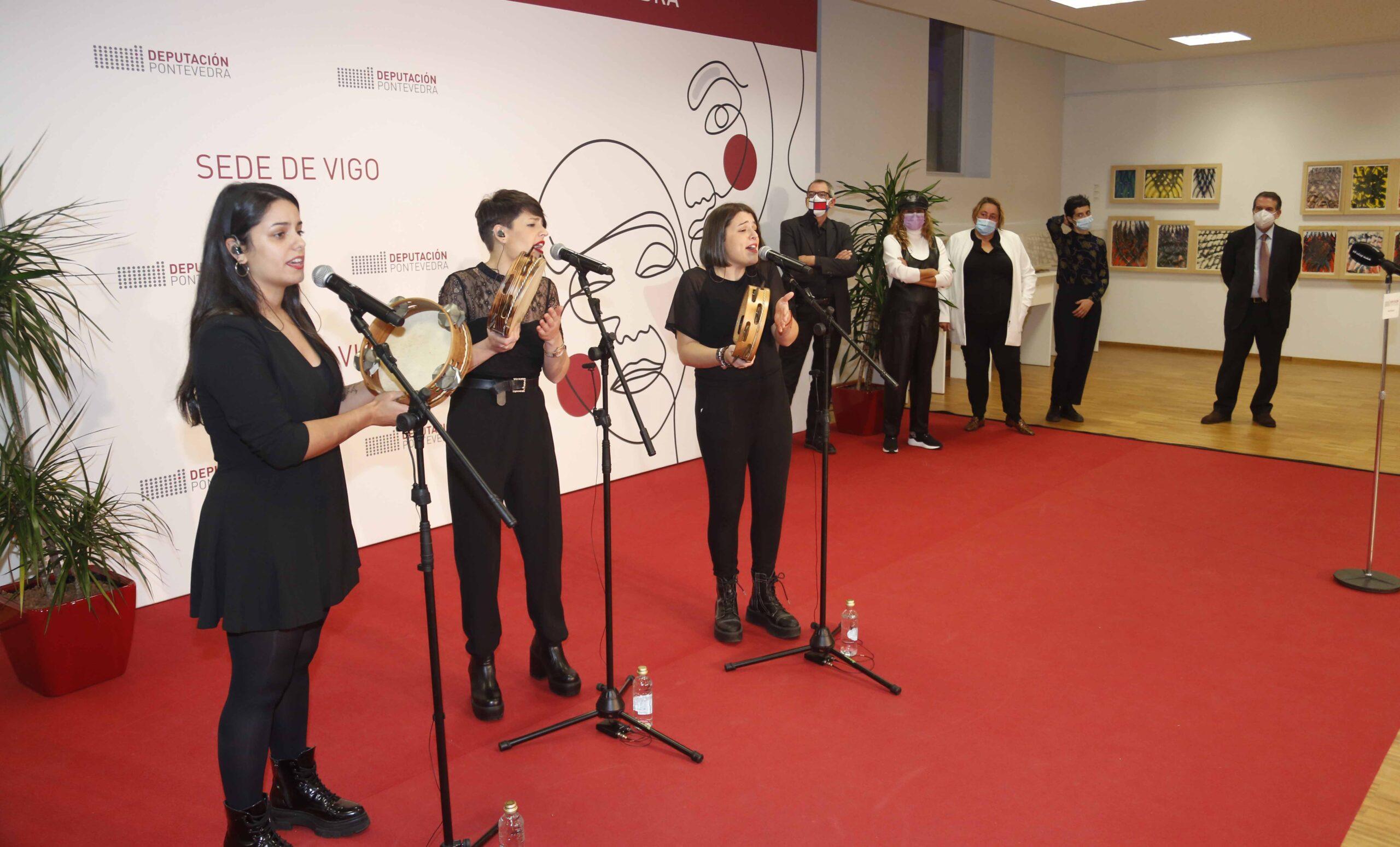As mulleres redeiras protagonistas na Sede da Deputación en Vigo coa exposición de Darío Basso