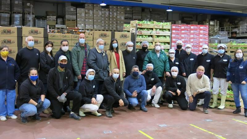Frutas Nieves alimenta o Nadal en comedores sociais e Banco de Alimentos con miles de quilos de coliflor e uvas