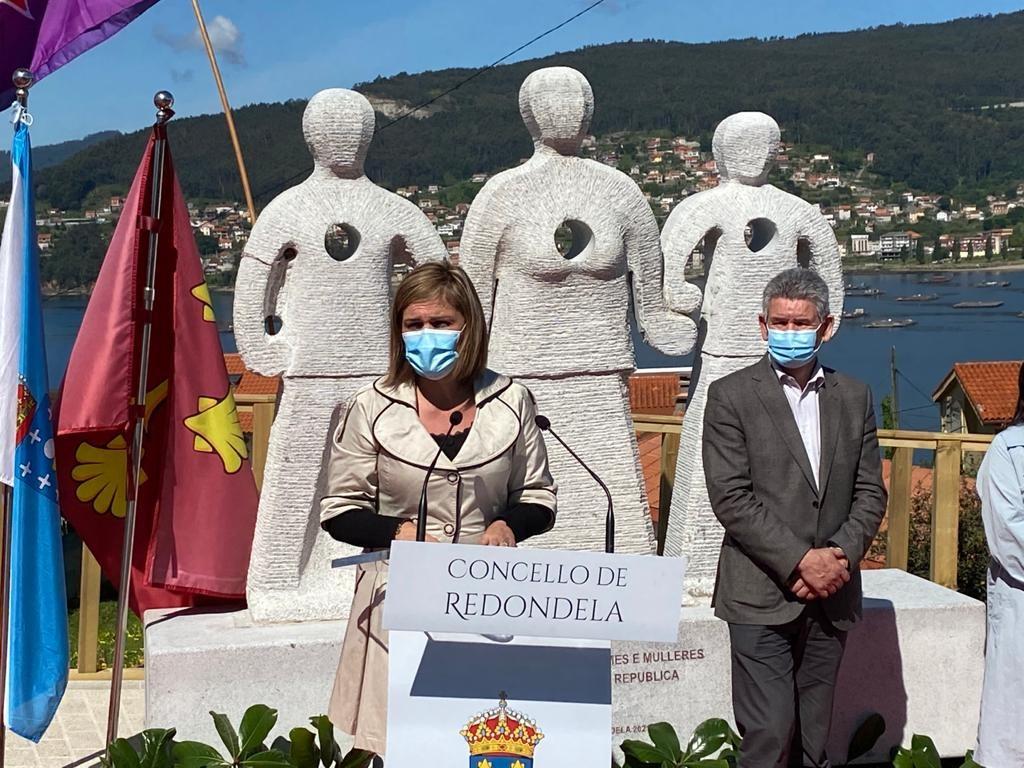 Redondela inaugura un monumento á memoria histórica eleborado pola Escola de Cantería