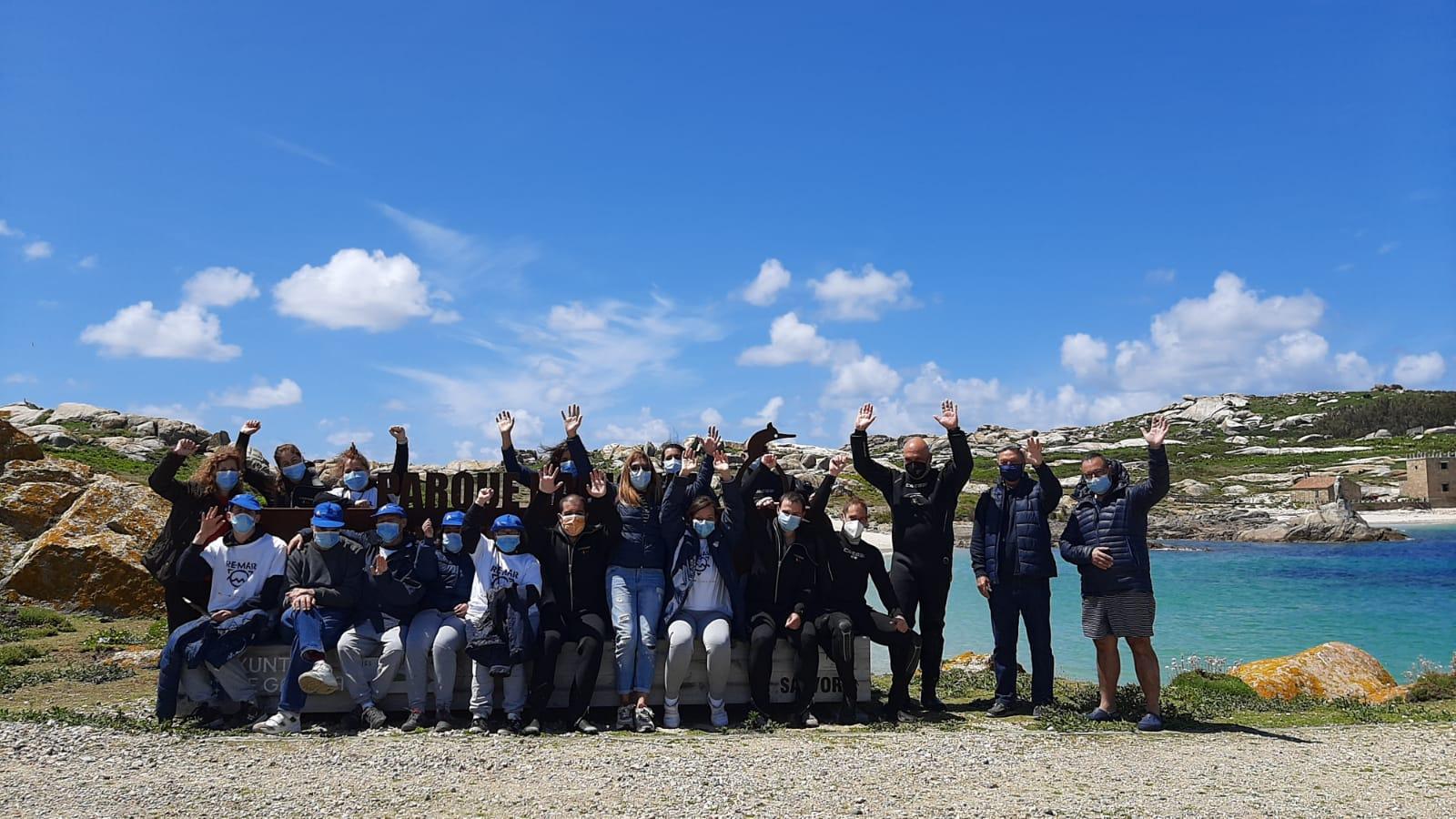 O Parque Nacional das Illas Atlánticas e Amicos colaboran nunha limpeza de fondos mariños nos arredores de Sálvora