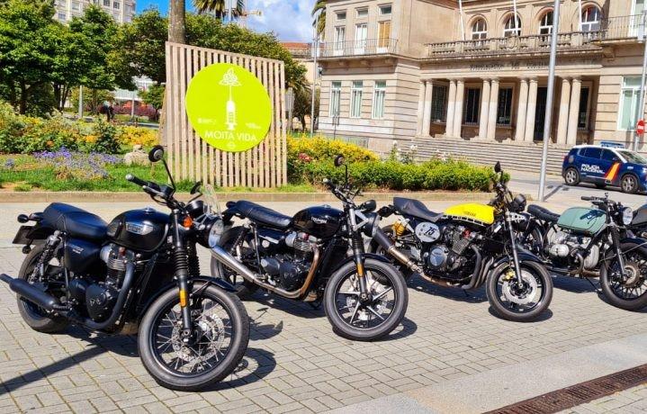 Pontevedra. Motos clásicas pola cidade para apoiar a loita contra o cancro de próstata e a depresión