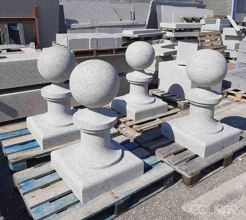 A réplica do templete do arquitecto Palacios para Metro-Madrid faise no Porriño