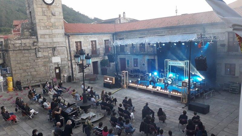 """A Praza do Reló vibrou coa música do festival """"A Guarda Mar de Blues"""""""