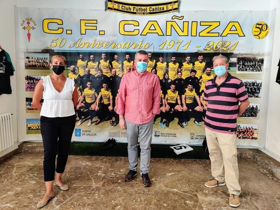 Unha exposición recolle os 50 anos do C.F. Cañiza