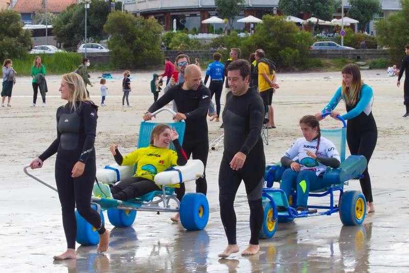 Nigrán fai historia ao coroar en Patos aos novos vencedores do campionato de españa de surf adaptado